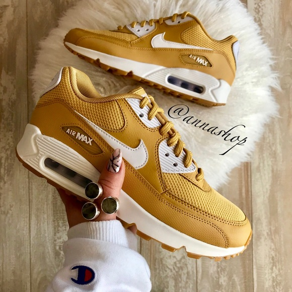 best website be0ca 9d28e NWT Nike Air Max 90 Rare wheat gold NWT